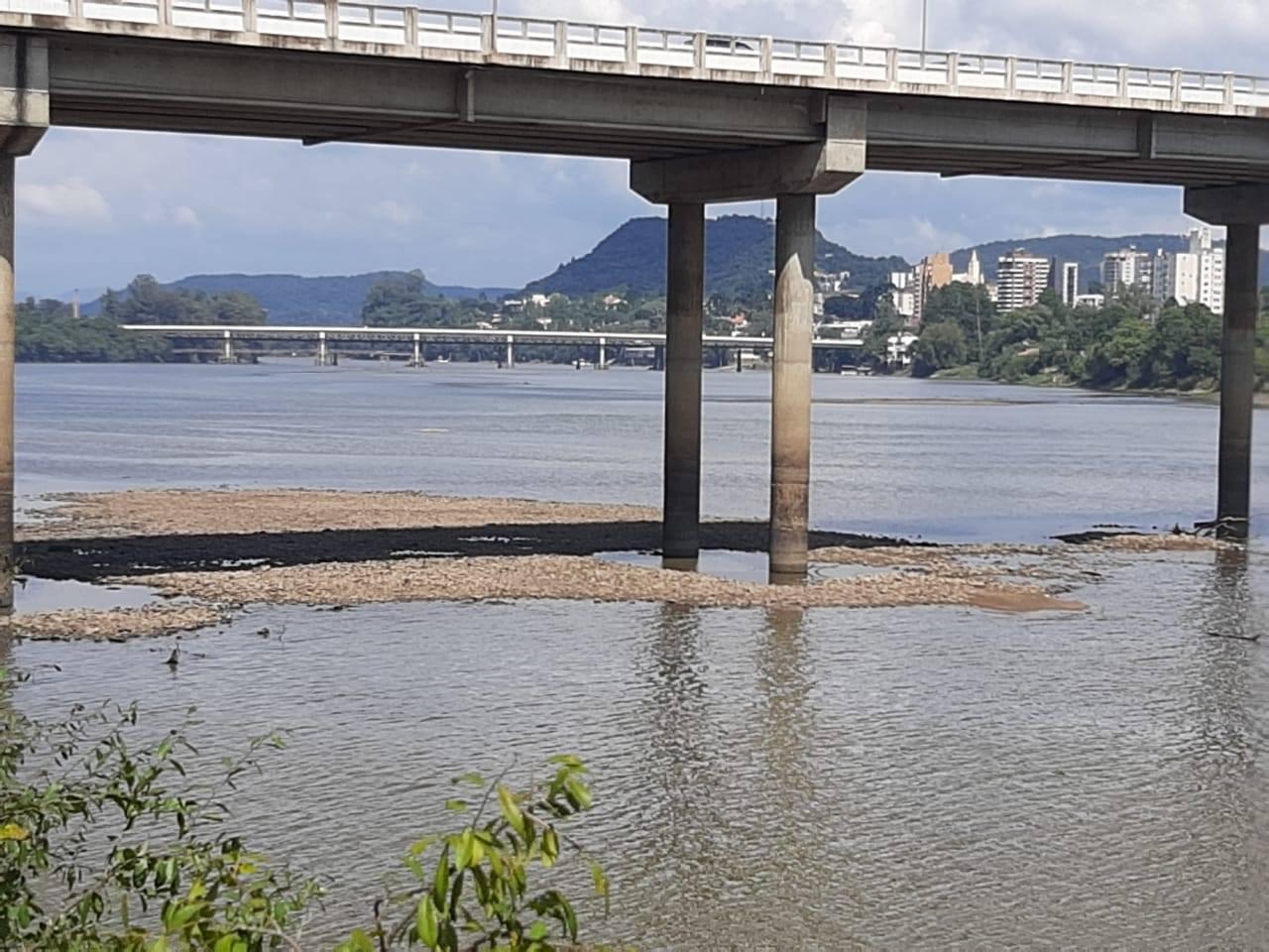 Estiagem faz Rio Iguaçu registrar nível mais baixo desde 1931, indica monitoramento